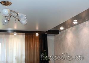 Можно ли установить в натяжные потолки квадратные светильники? | 215x300